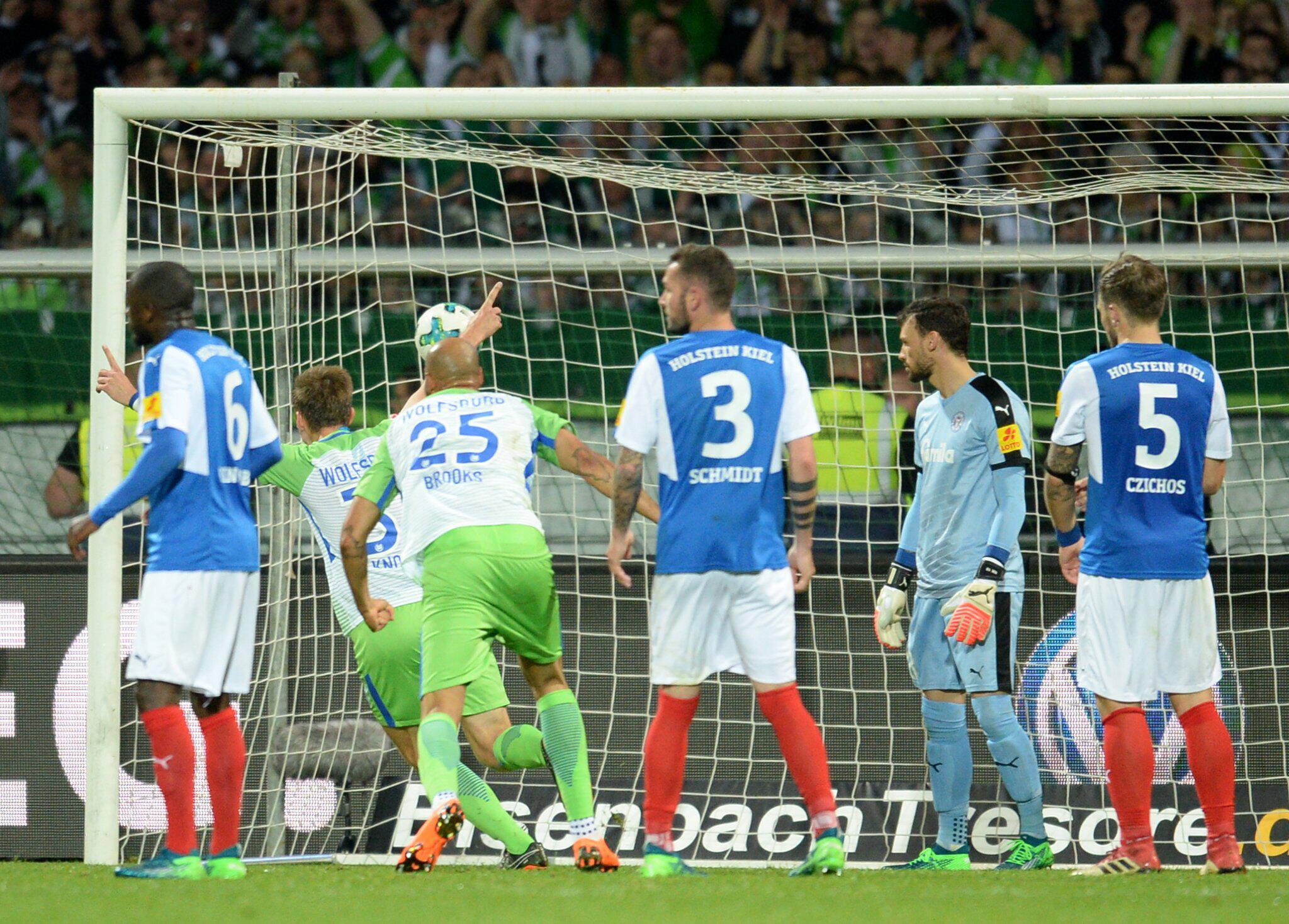 Bild zu Holstein Kiel - VfL Wolfsburg