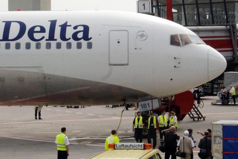 delta airlines leading the pack in air transportation List: the usa's best airlines for on-time flights hawaiian and delta top the list jetblue and regional carrier expressjet were at the bottom.