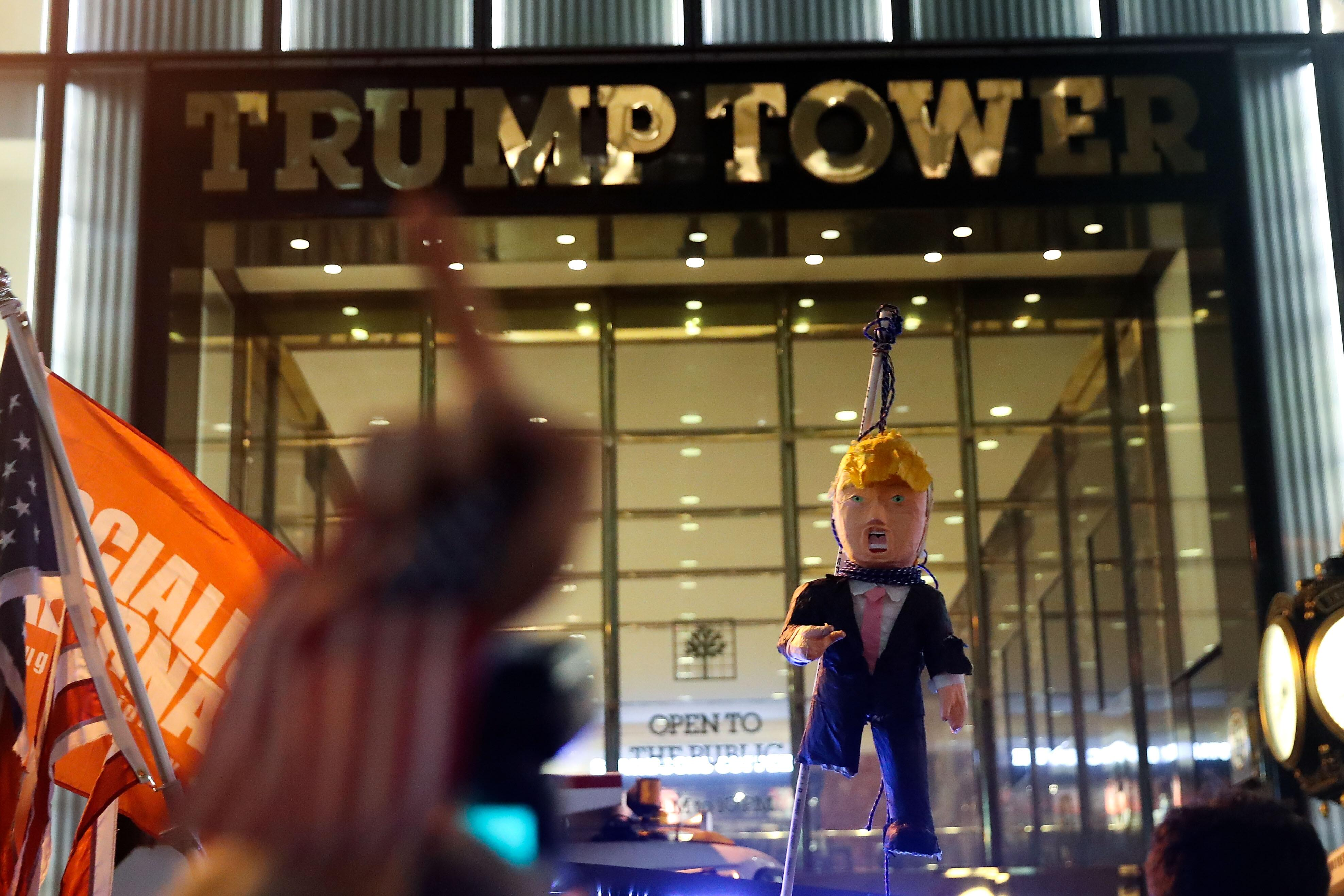Bild zu US-Wahl, Donald Trump, Trump Tower, Demonstration