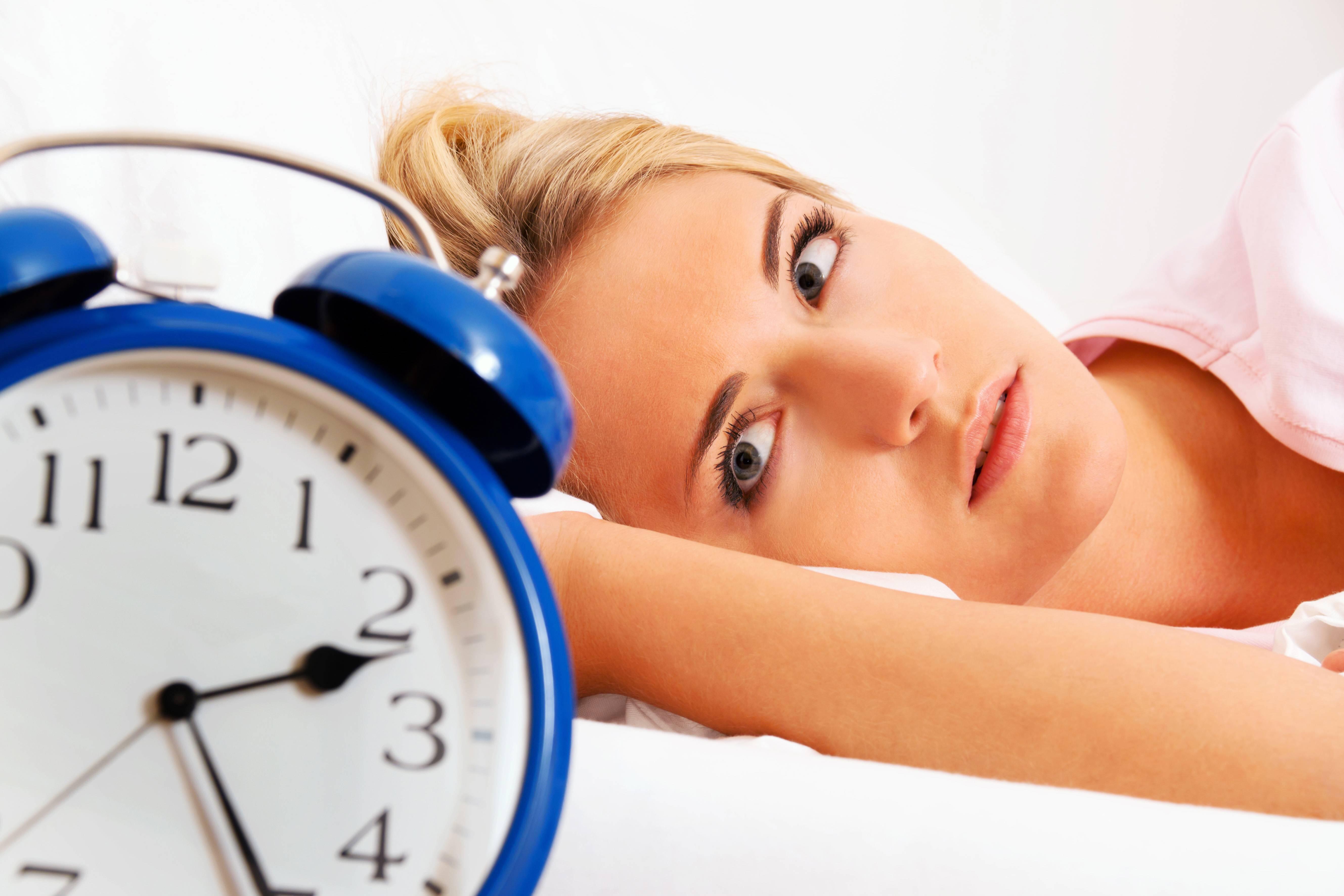 Bild zu schlaf schlafstörung einschlafen