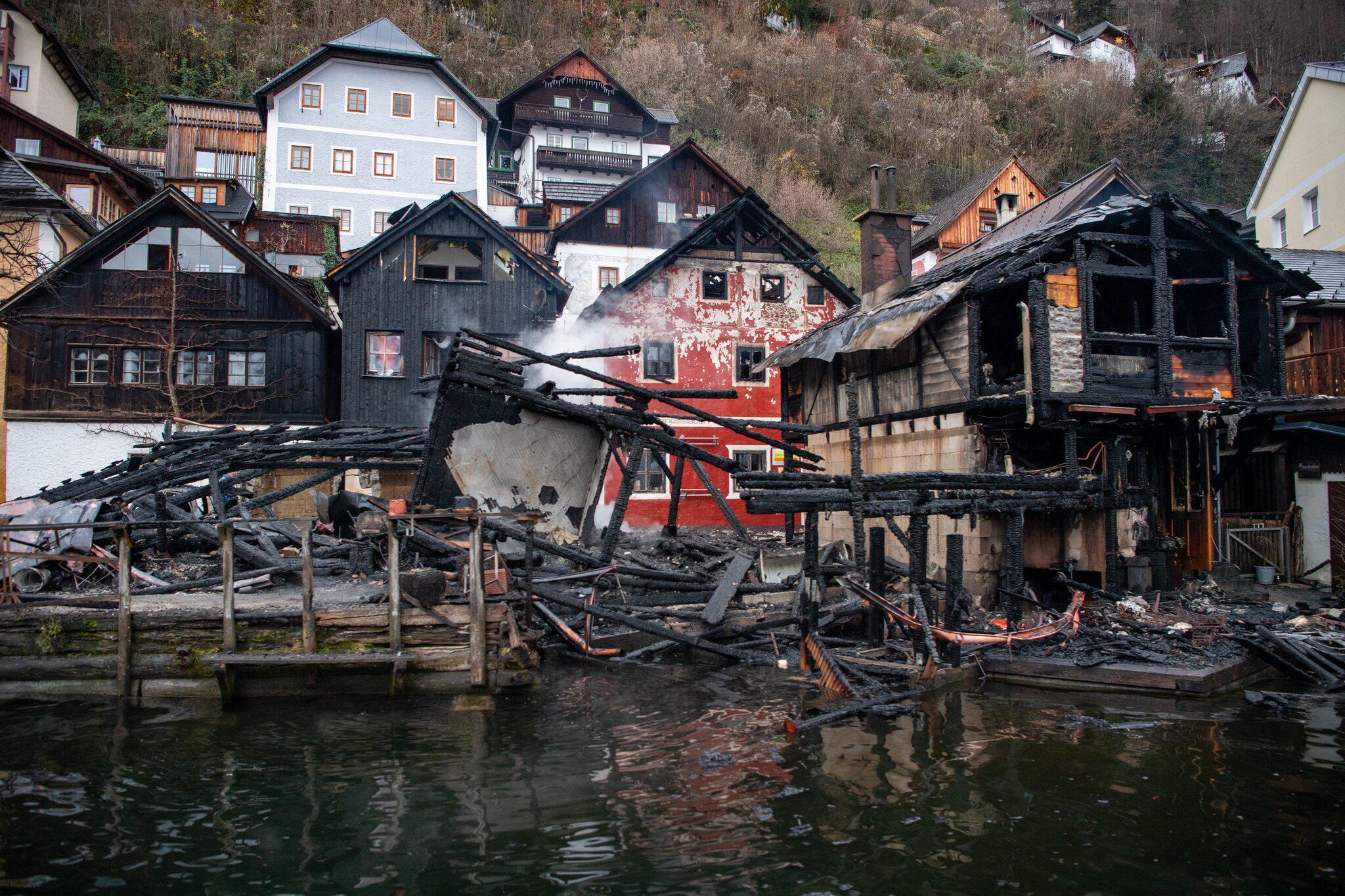 Bild zu Brand in Weltkulturerbe-Ort Hallstatt in Österreich
