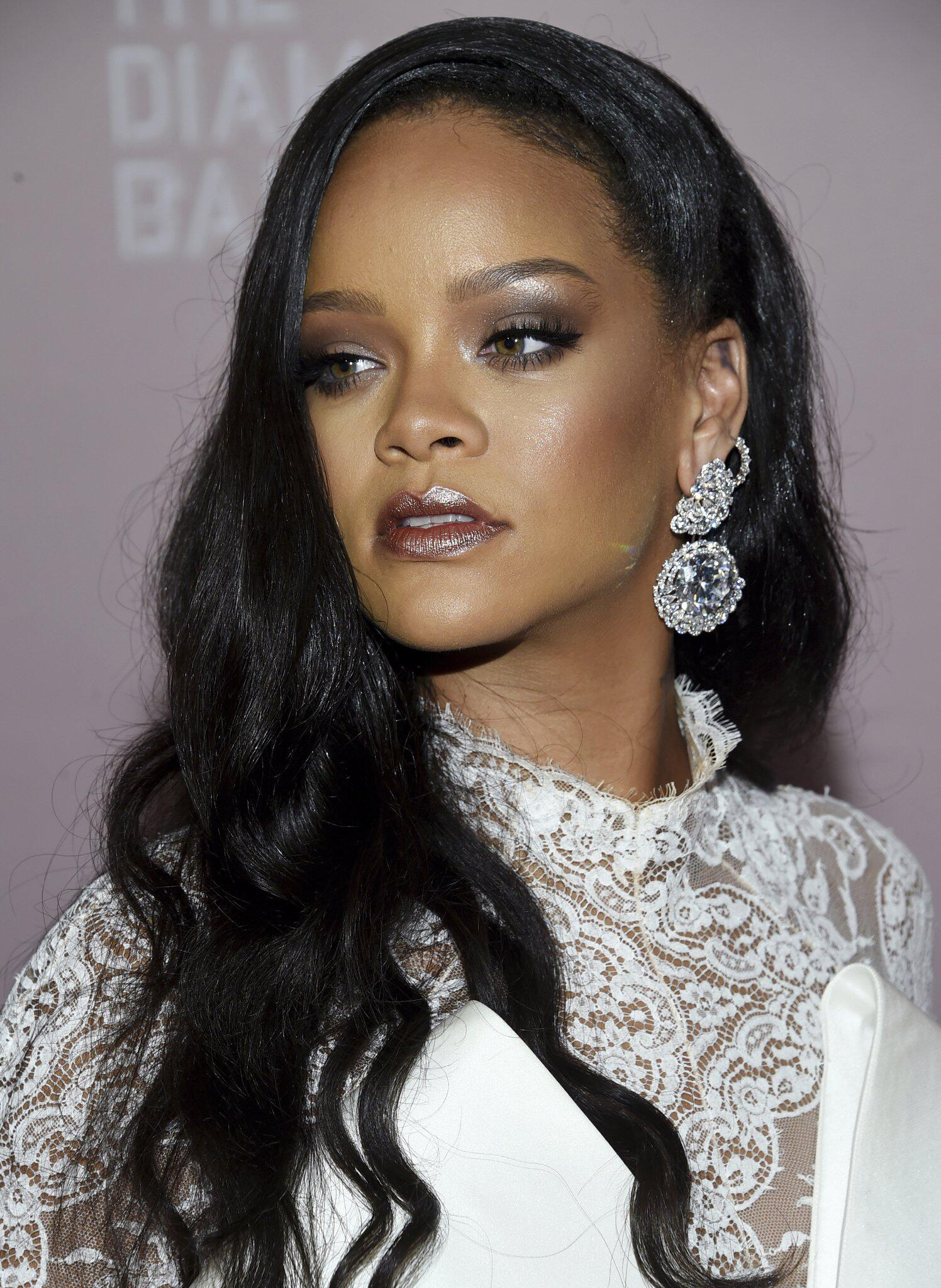 Bild zu Sängerin Rihanna