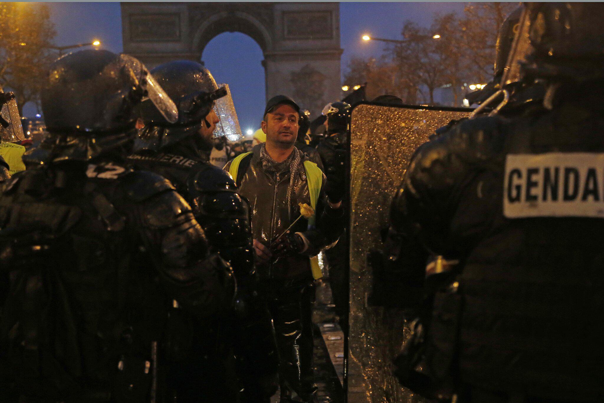 Bild zu Gelbwesten-Proteste in Frankreich