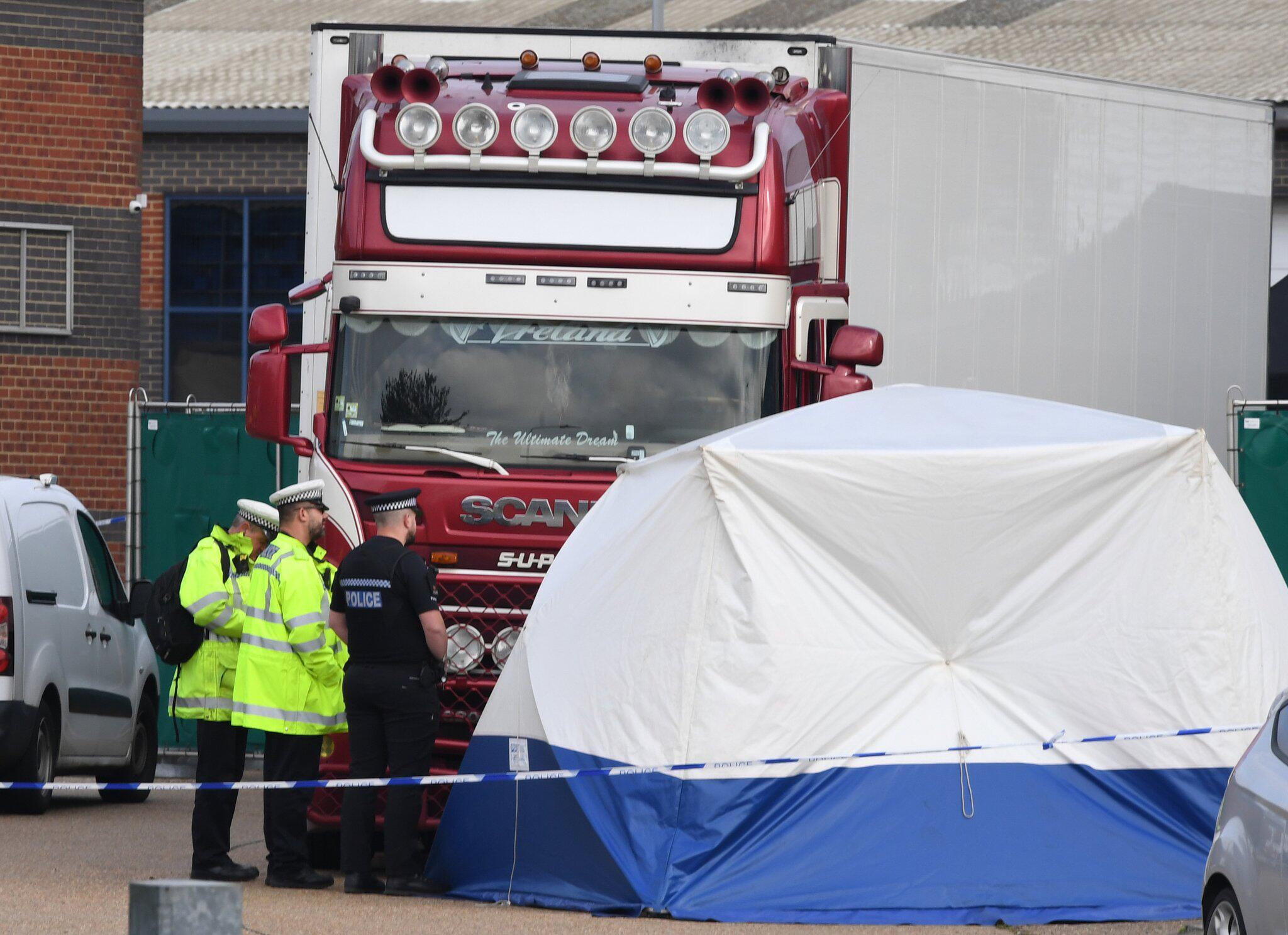 Bild zu Tote in Container in Grossbritannien entdeckt