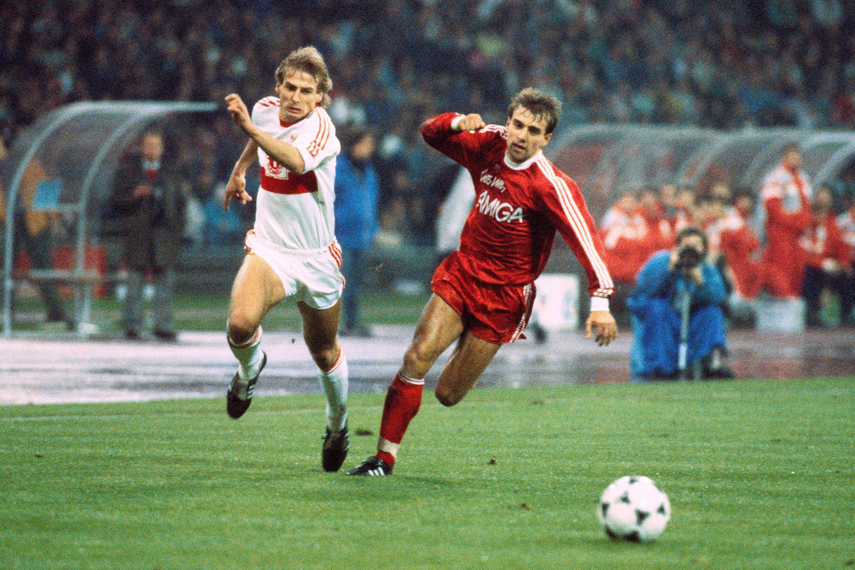 Bild zu Jürgen Klinsmann, Hans-Dieter Flick, FC Bayern München, VfB Stuttgart, Bundesliga, 1988/89