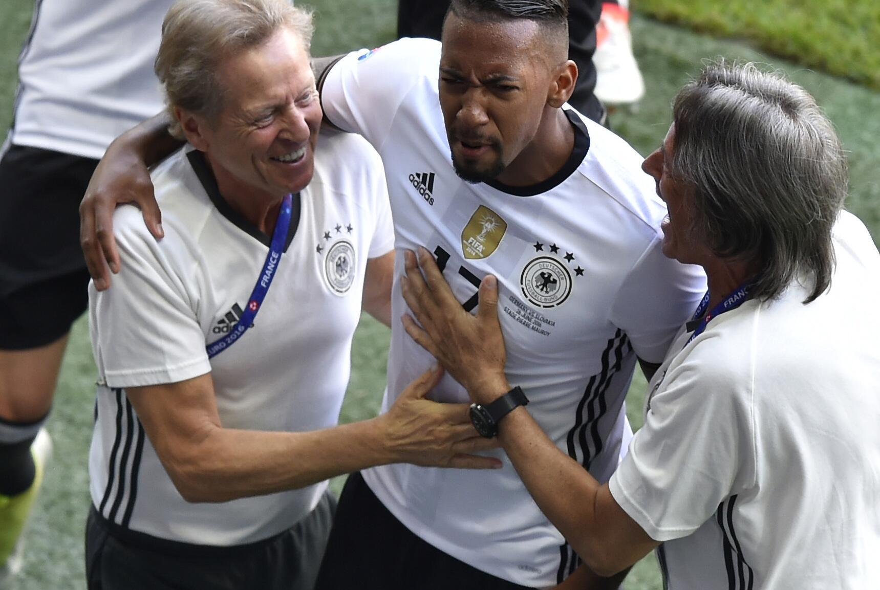Bild zu Jerome Boateng hat mit einem herrlichen Treffer im Achtelfinale gegen die Slowak