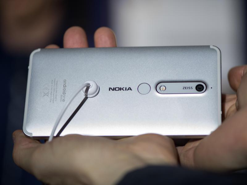 Bild zu Nokia 6 mit Aluminiumgehäuse