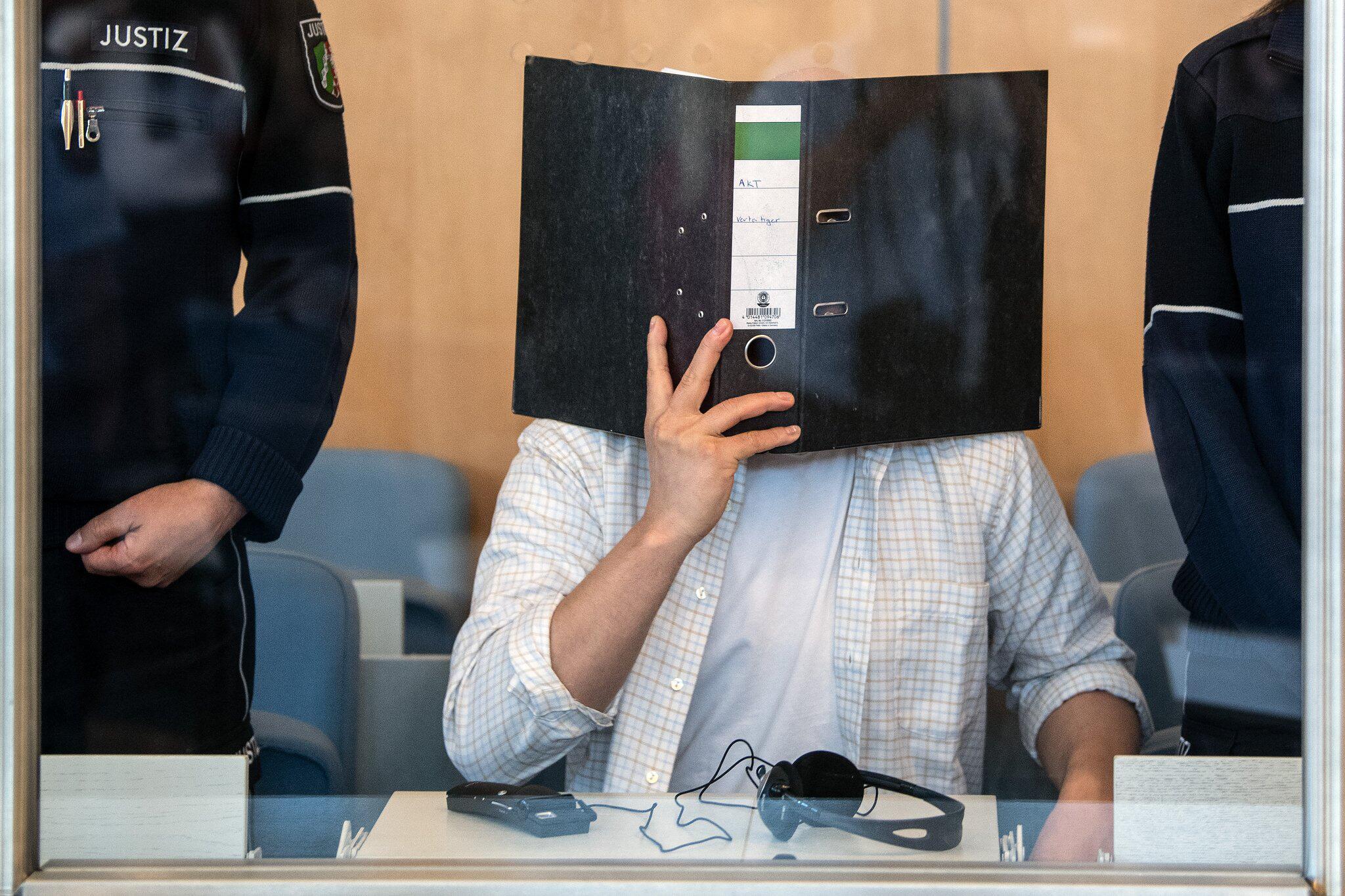 Bild zu Prozess gegen mutmasslichen Rizin-Bombenbauer von Köln