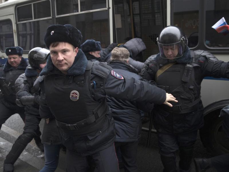 Bild zu Nawalny festgenommen