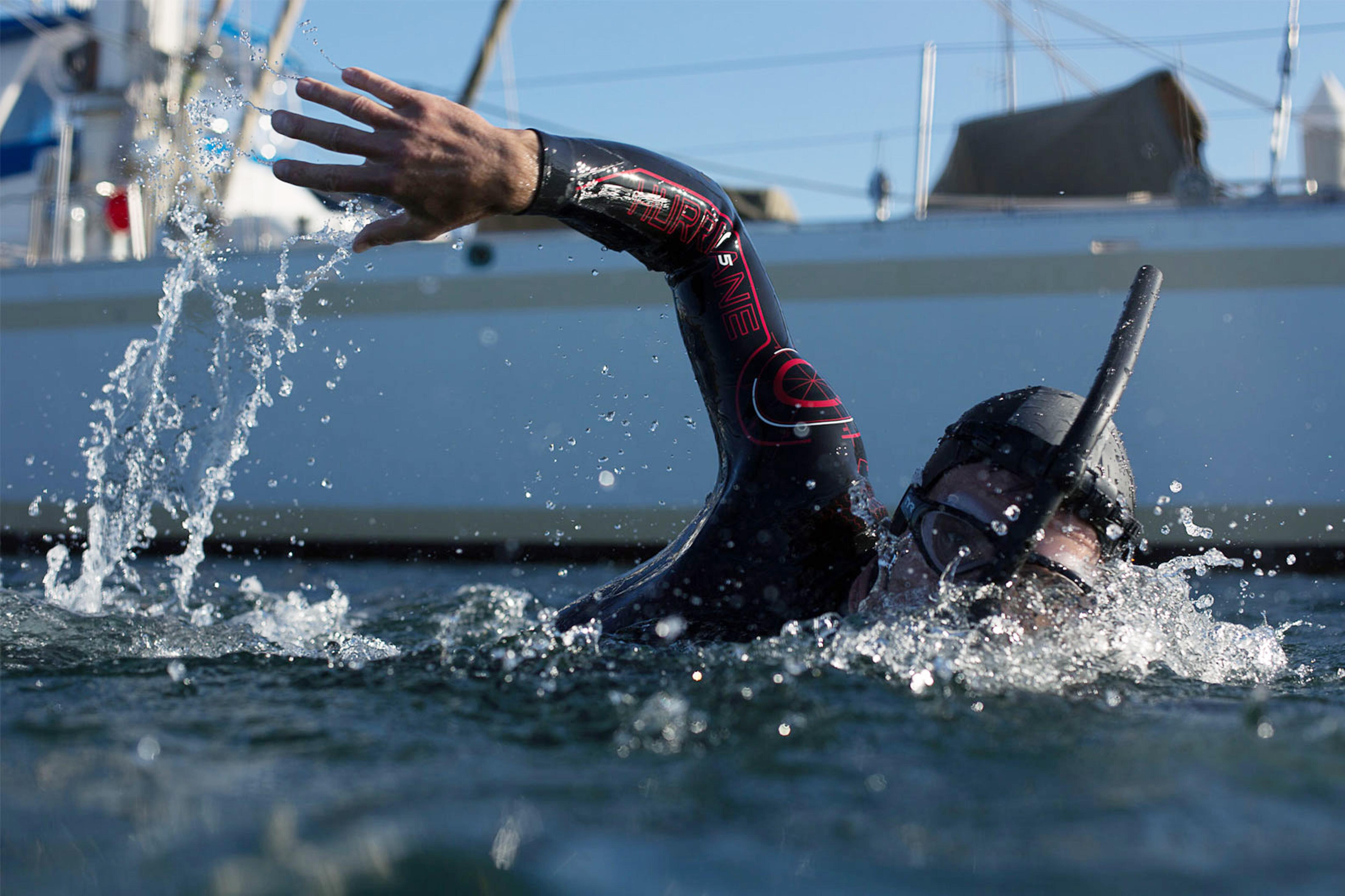 Bild zu Ben Lecomte, Rekordversuch, Schwimmen, Pazifik,
