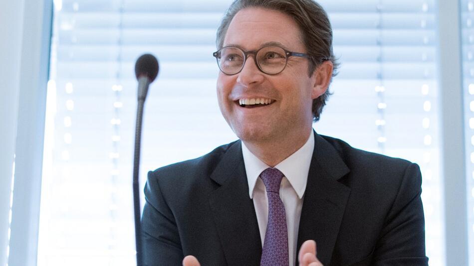 German Minister of Transport in Bundestag