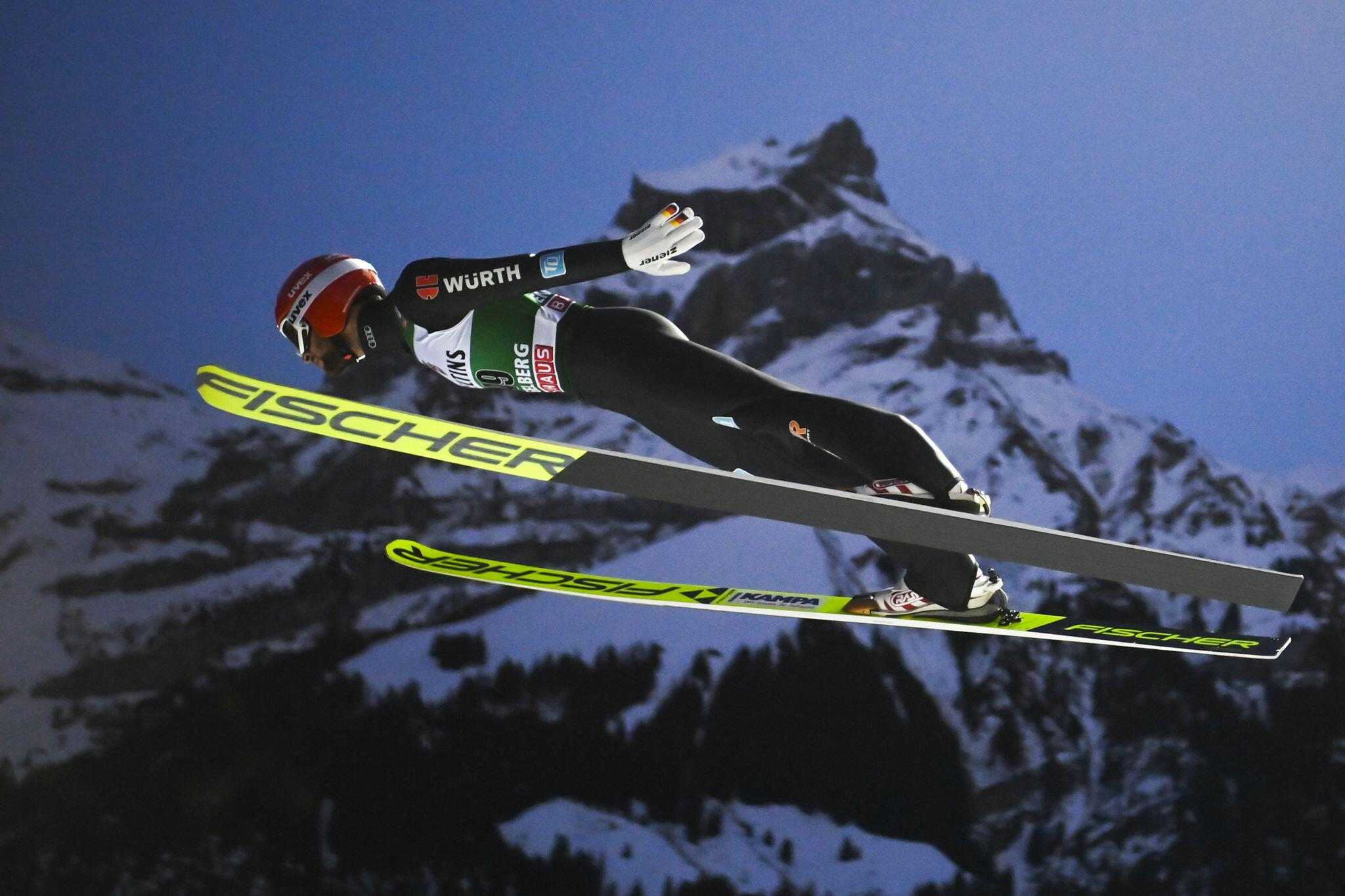 Bild zu Skispringen - Weltcup in Engelberg