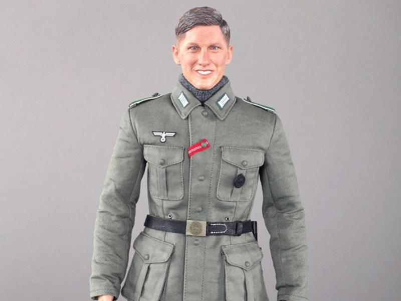 Bild zu Puppe namens «Bastian»