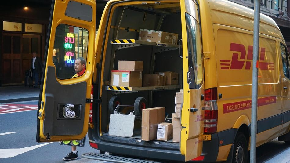 Wenn ein DHL-Paket verloren geht, wer haftet dann?
