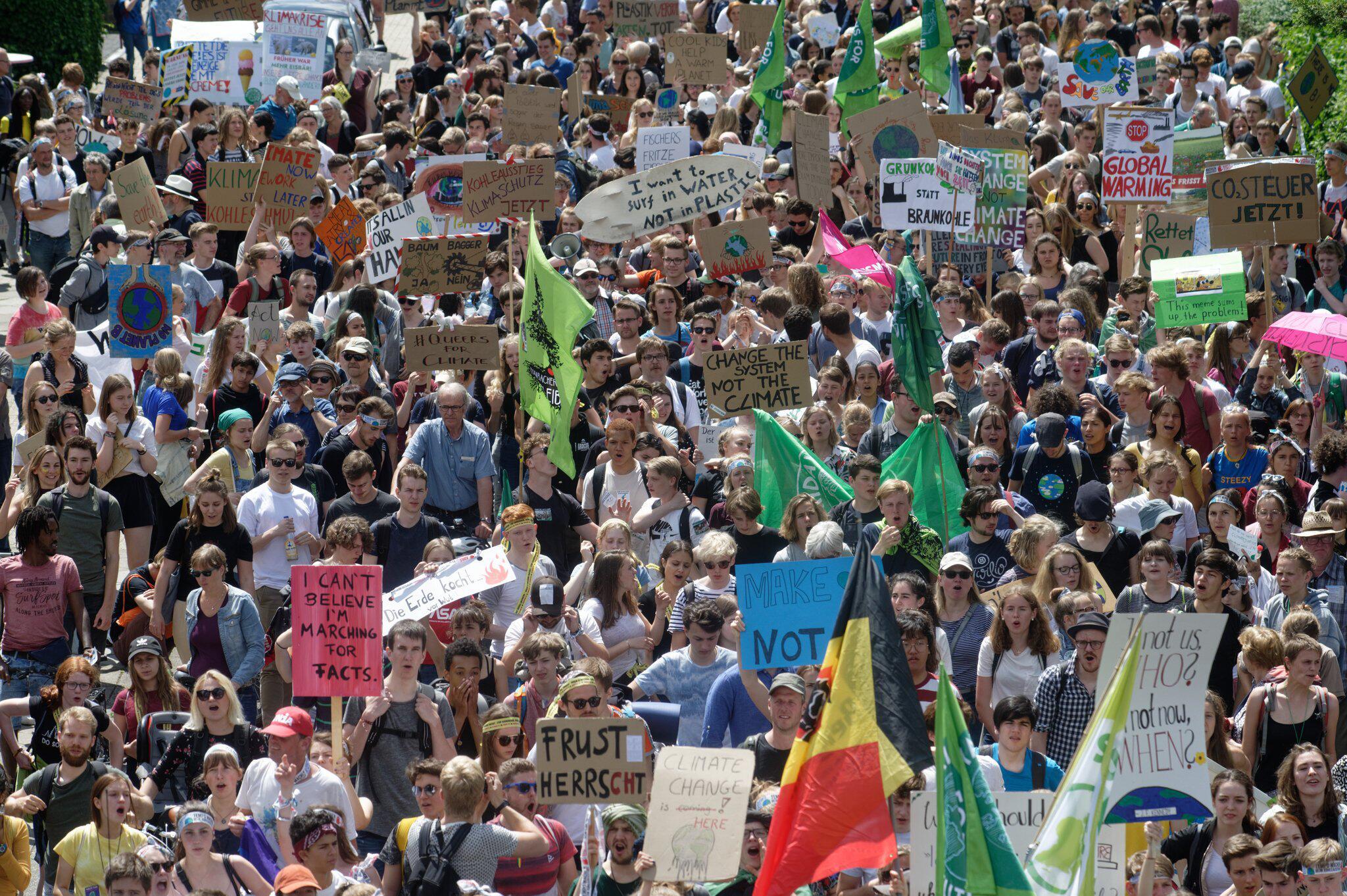 Bild zu Klimademonstration Fridays for Future - Aachen