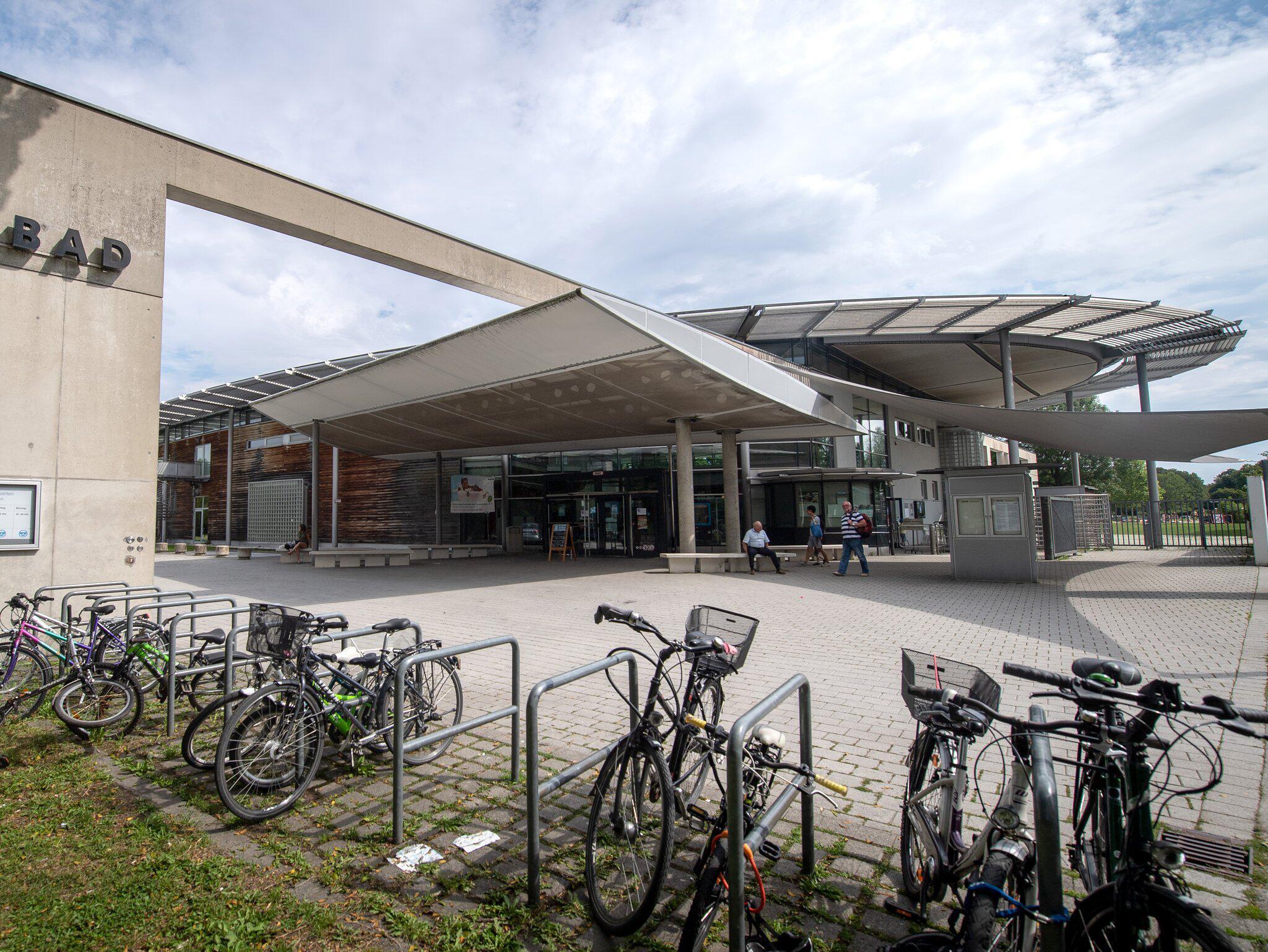 Bild zu Schwimmbad, Missbrauch, Pasing, Westbad