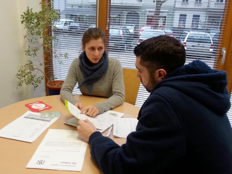 Bewerben in Deutschland - So finden Flüchtlinge einen Job ...