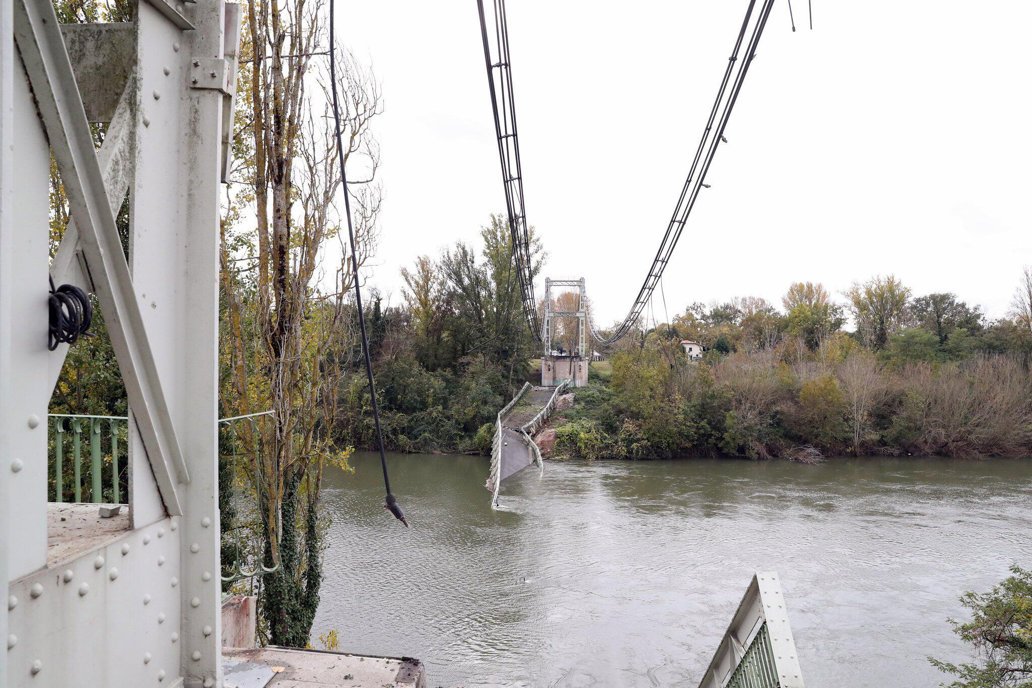 Bild zu Brückeneinsturz in Frankreich