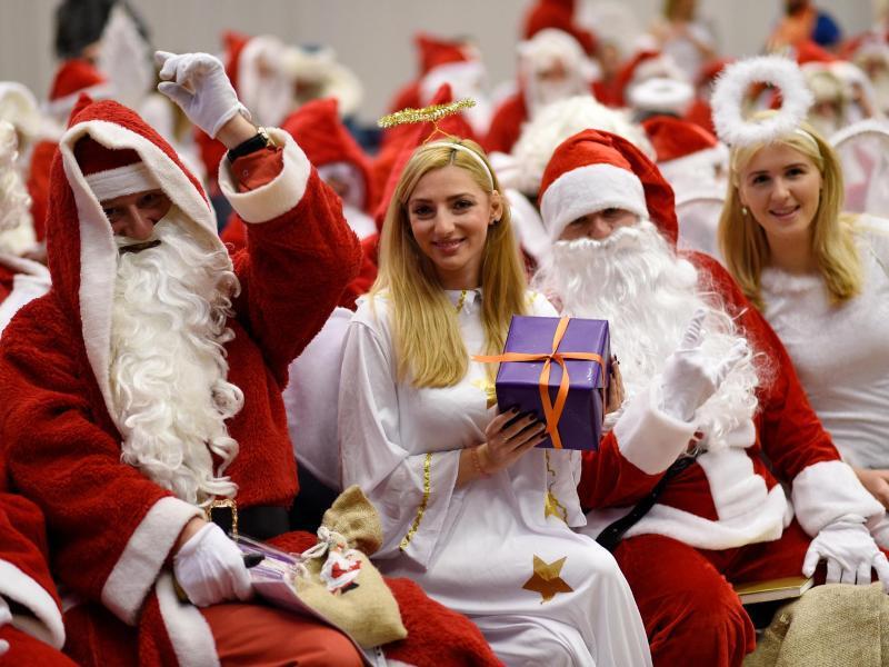 Bild zu Vollversammlung der Weihnachtsmänner