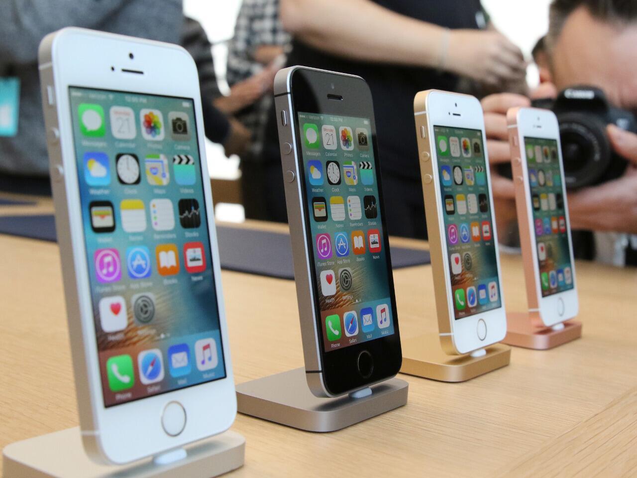 Bild zu Das Apple iPhone SE 32 GB – starke Leistung in handlich-kompakter Grösse