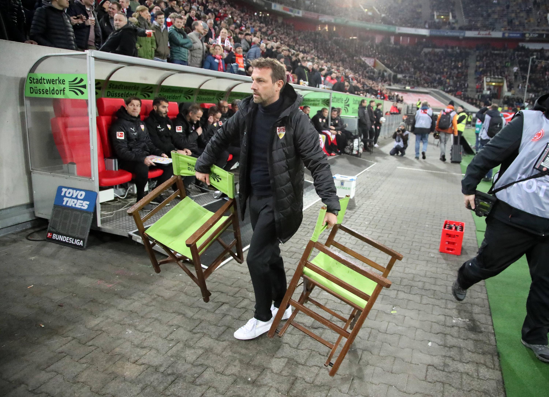 Bild zu Fussball, Bundesliga, Düsseldorf, Stuttgart, Kellerduell