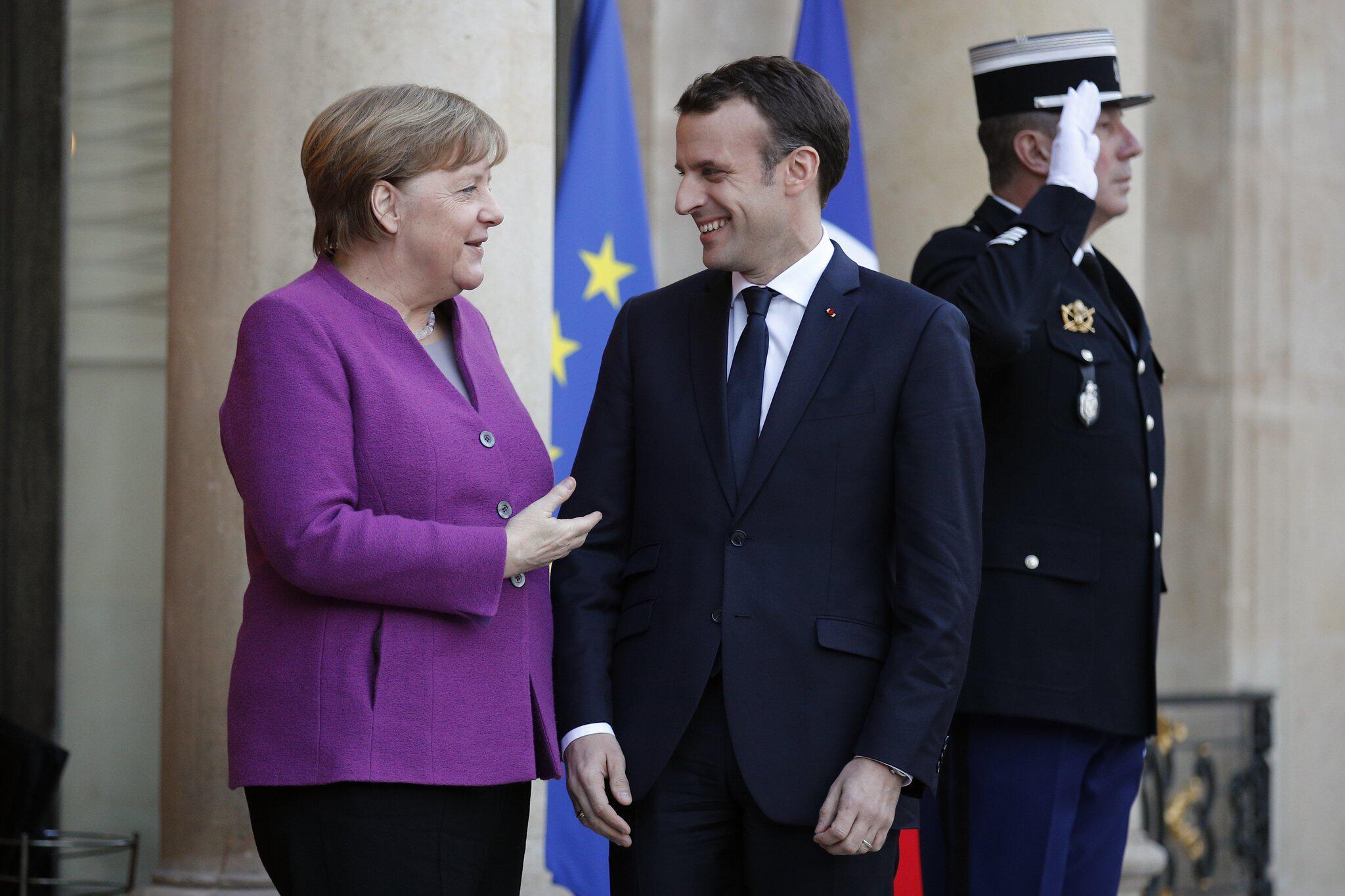 Bild zu Bundeskanzlerin besucht Paris