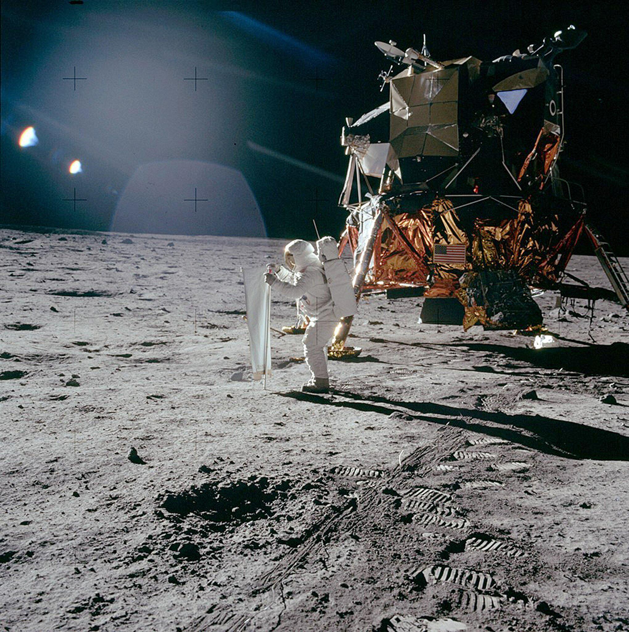 """Bild zu """"Apollo 11"""" und ein Stück Schweiz auf dem Mond"""
