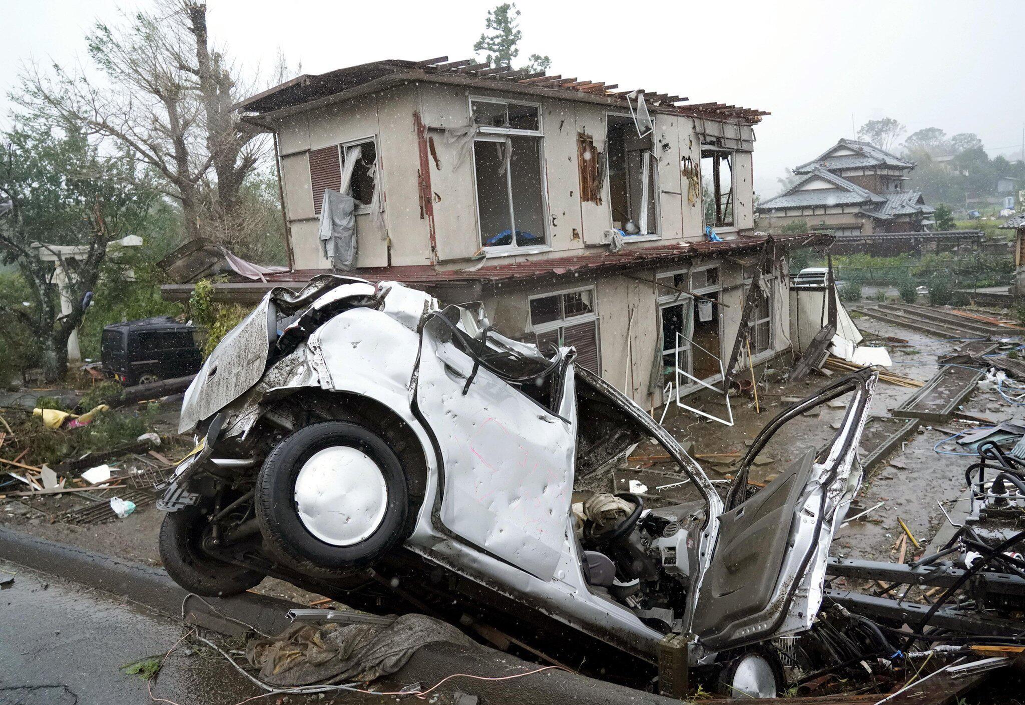 """Bild zu Taifun """"Hagibis"""" zerstört in Japan Häuser und Autos"""