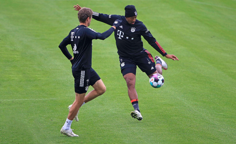 Bild zu Ex-Nationalspieler Thomas Müller und Jerome Boateng trainieren in München.
