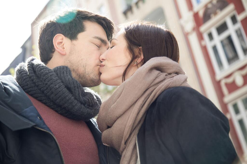 Liebe auf dem Prüfstand:So geht es Paaren ein Jahr nach Corona