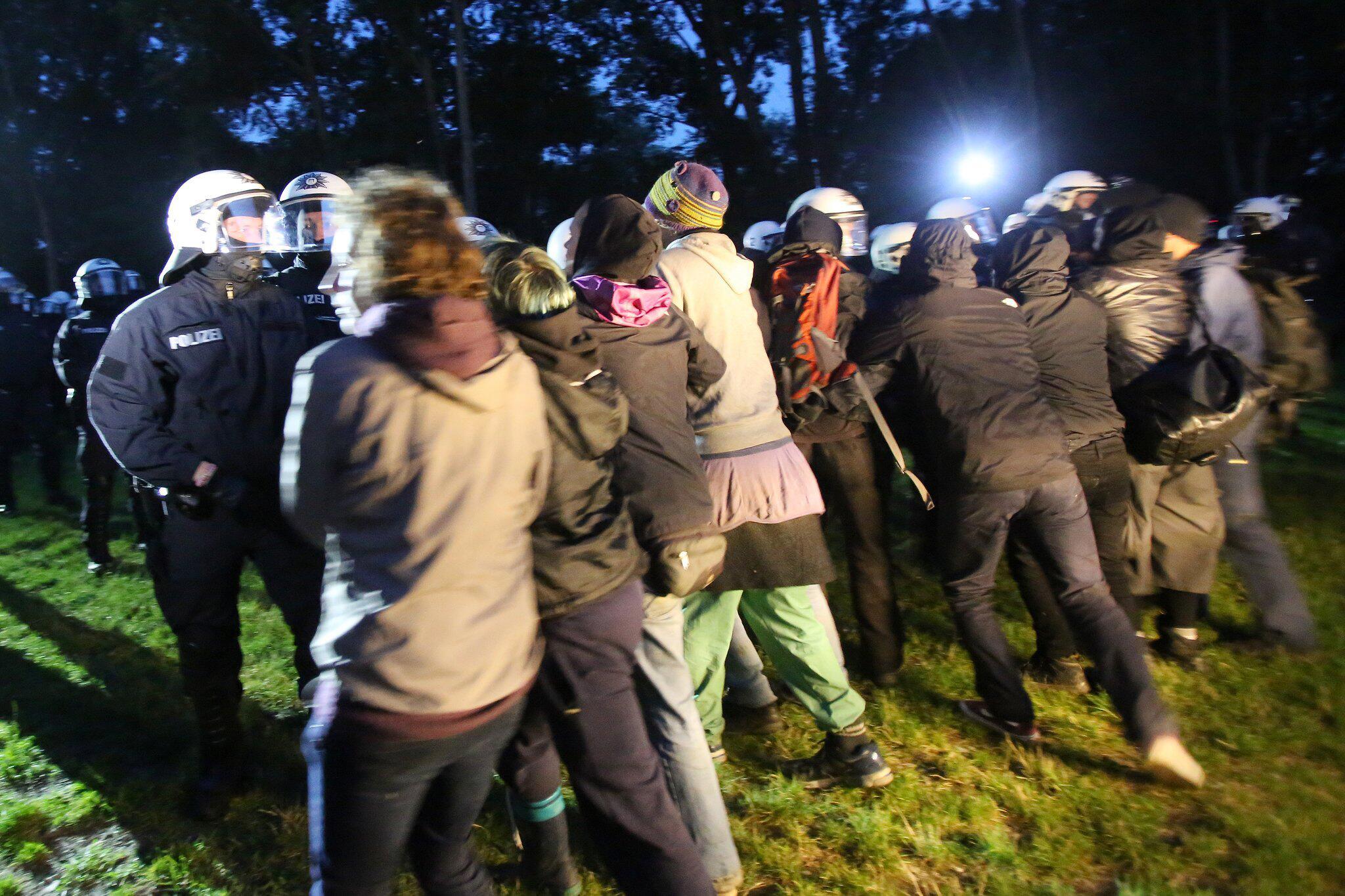 Bild zu G20 Protest-Camp in Entenwerder