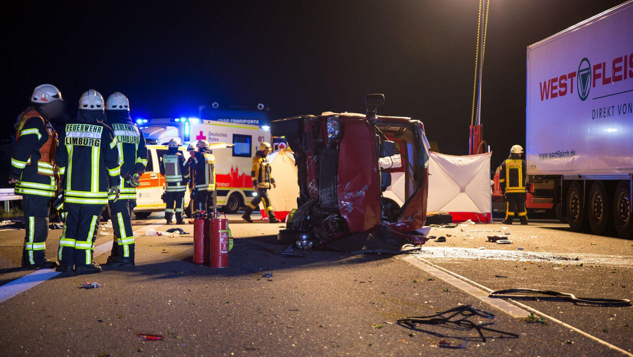 Bild zu Unfall mit Kleinbus in Hessen