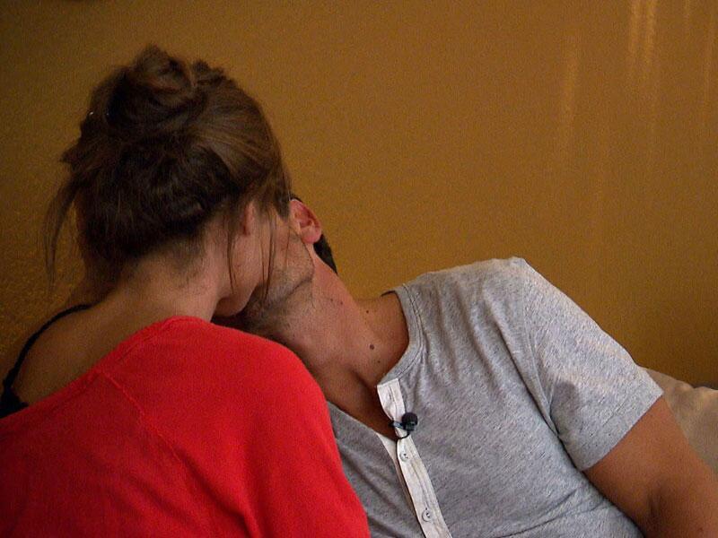 Bild zu Alissa und Jan: der erste Kuss