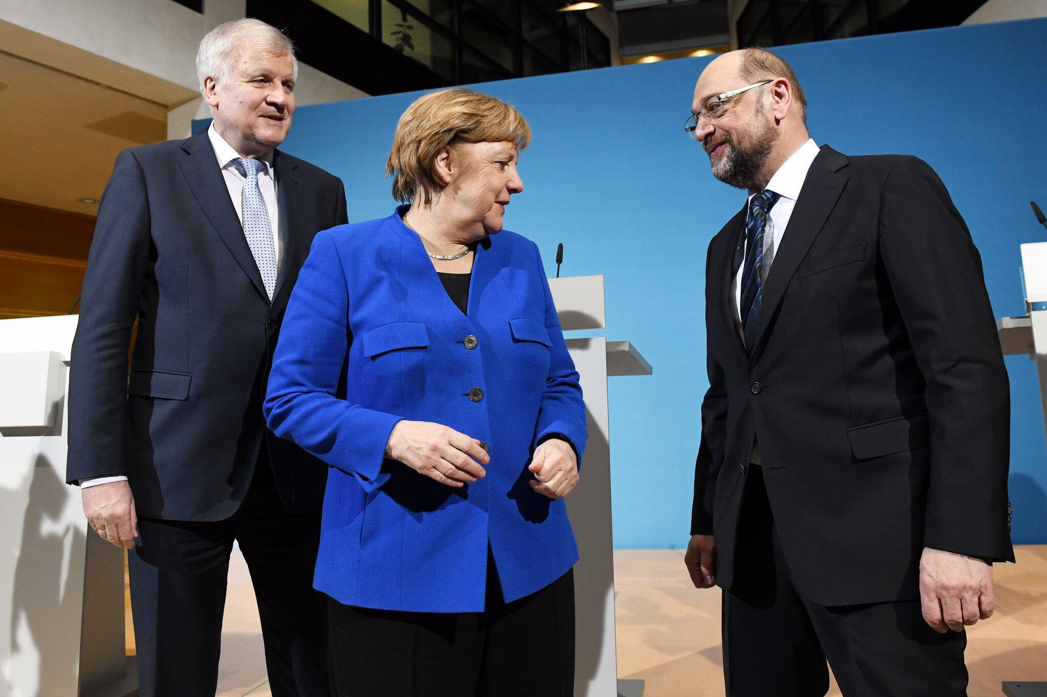 Bild zu Merkel, Seehofer und Gabriel