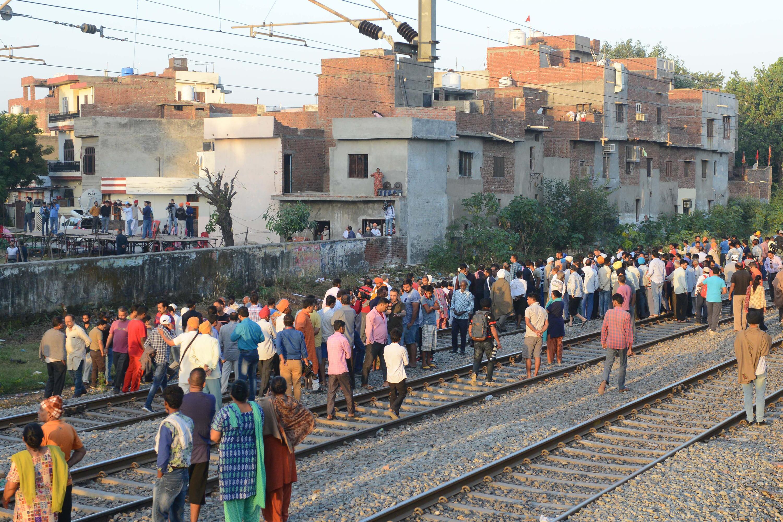 Bild zu Zugunglück in Indien