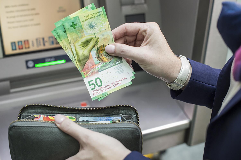 Bild zu Bezug 50er-Note aus Bankomat