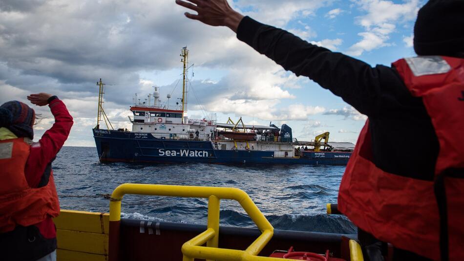 Migranten auf Rettungsschiff vor Malta
