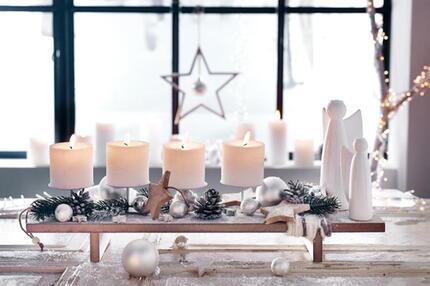 deko trends f r weihnachten eiszapfen schneeb lle und co. Black Bedroom Furniture Sets. Home Design Ideas
