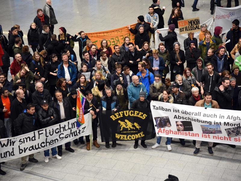 Bild zu Proteste in Düsseldorf