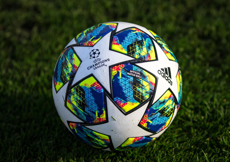 Bild zu Fussball, Champions League, Ball,