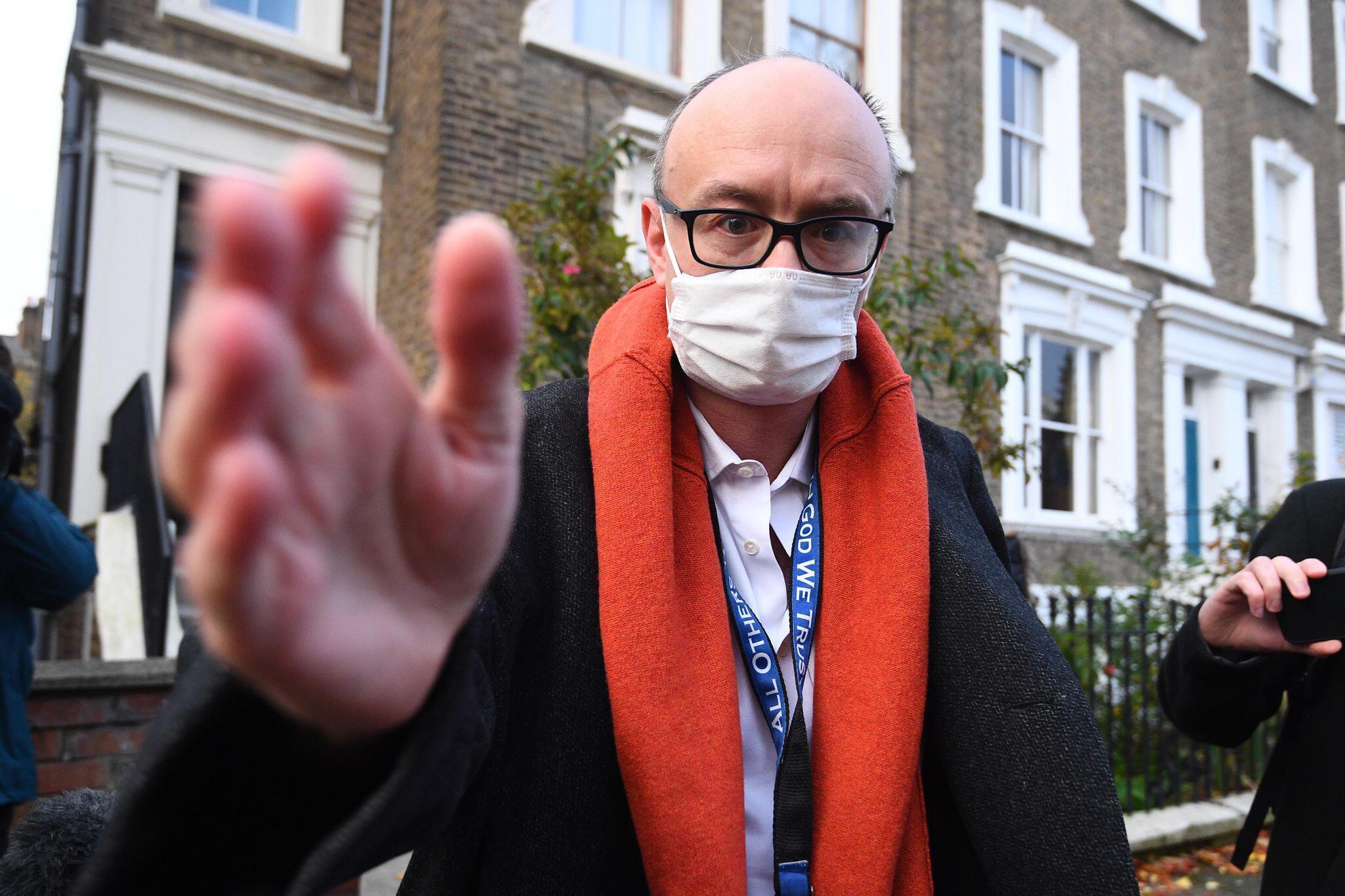 Pandemie unterschätzt: Premier Johnson wollte sich Coronavirus spritzen lassen