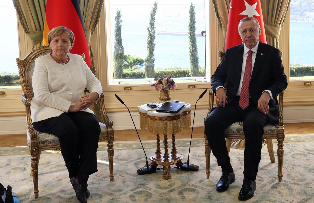 Bild zu Vor Syrien-Gipfel - Merkel trifft Erdogan