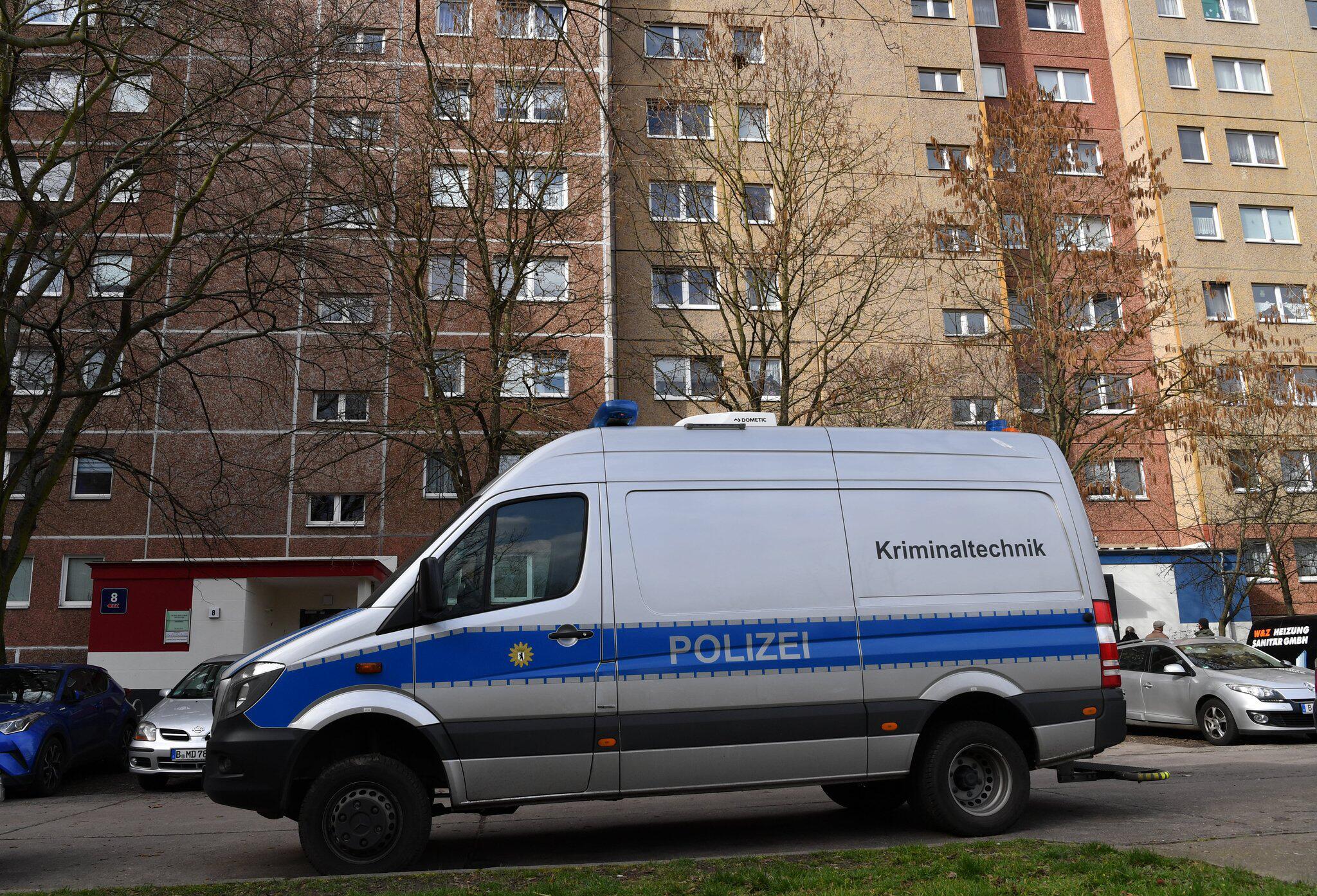 Bild zu Zwei Tote in Berlin-Marzahn entdeckt