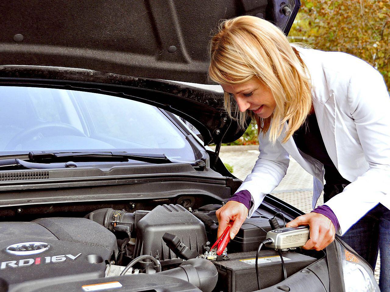 Bild zu Regelmässiges Laden der Autobatterie verlängert die Lebensdauer