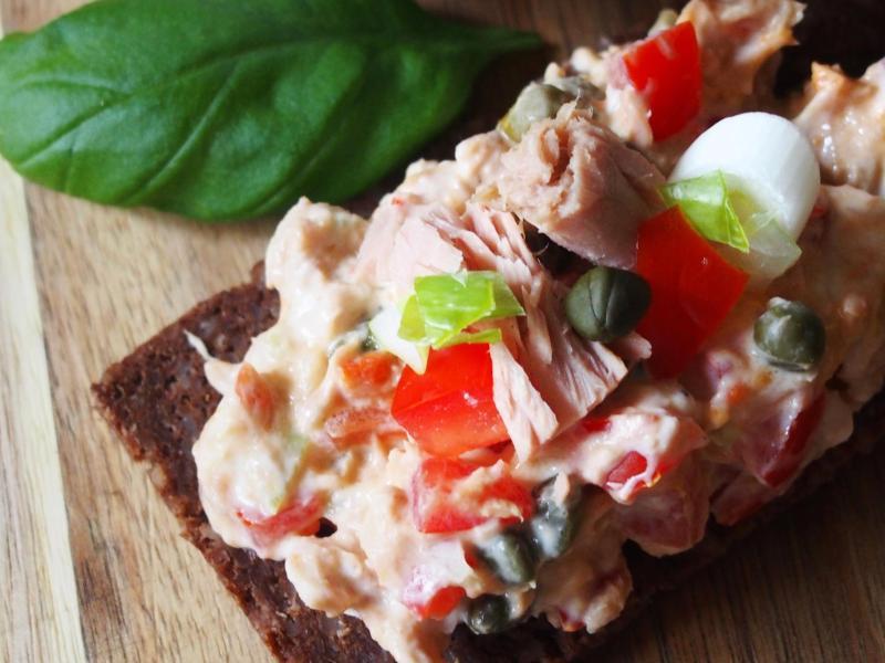 Bild zu Brot mit Thunfischcreme