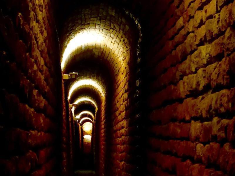 Bild zu Gemauerter Tunnel
