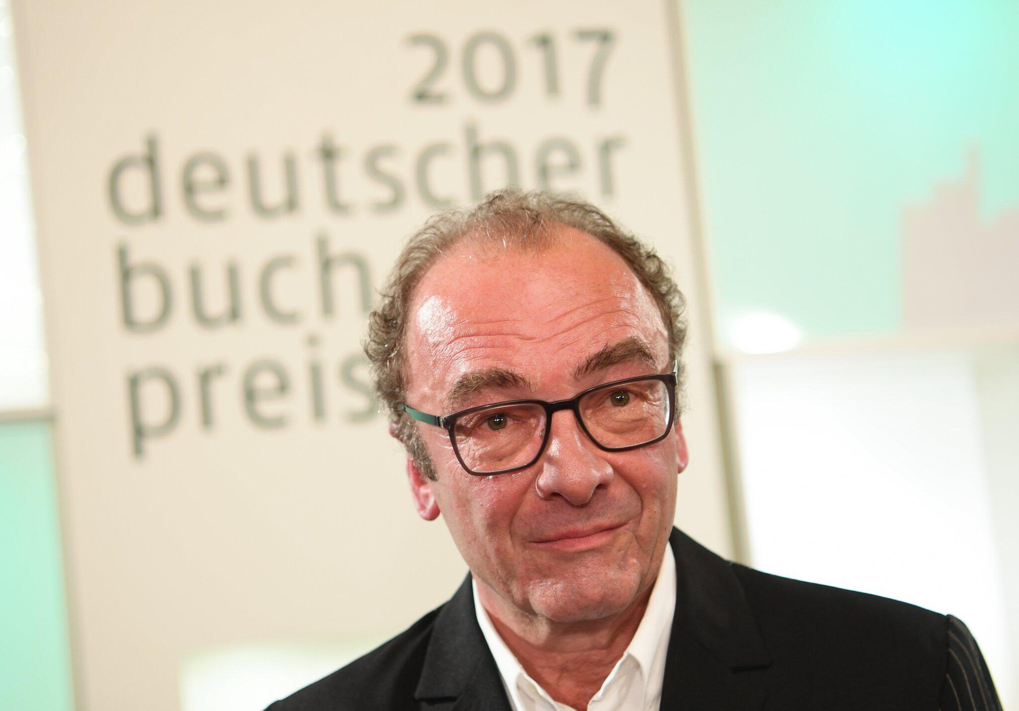 Bild zu Robert Menasse awarded German Book Prize 2017
