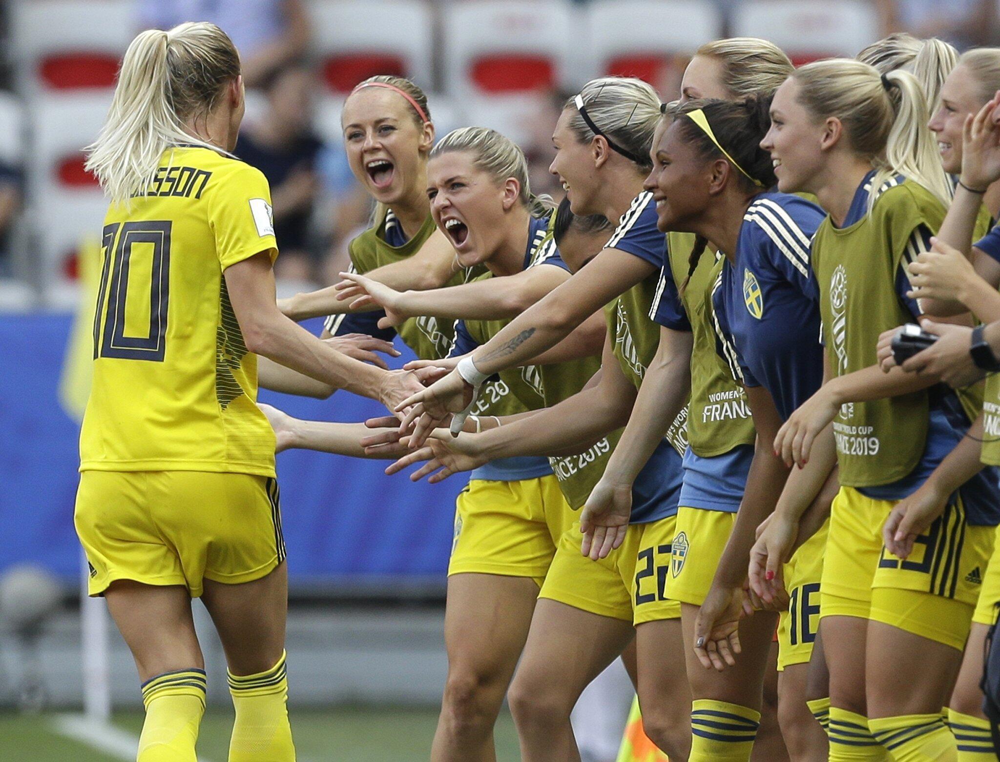 Bild zu Frauenfussball-WM - England - Schweden