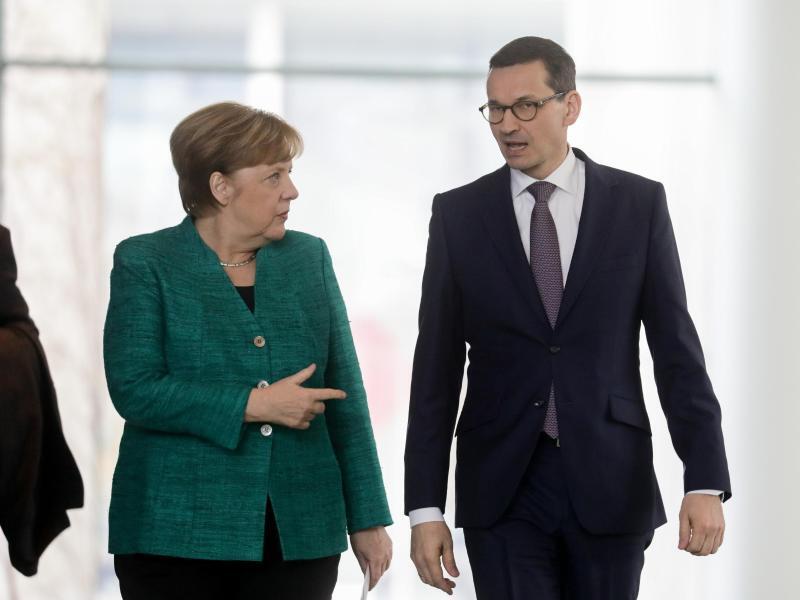Bild zu Merkel und Morawiecki