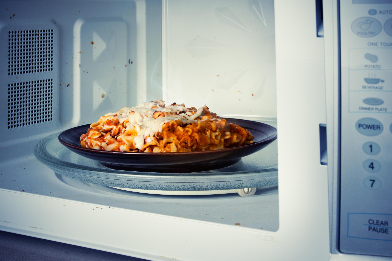 Bild zu Spaghetti und Co.: So werden Nudeln in der Mikrowelle komplett warm